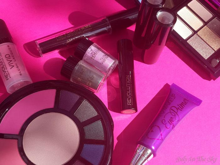 blog beauté haul makeup revolution cadeaux palette go to the city i am naked amazing volume mascara pure pigments eye primer vivid blush lacquer liphug happylips avis