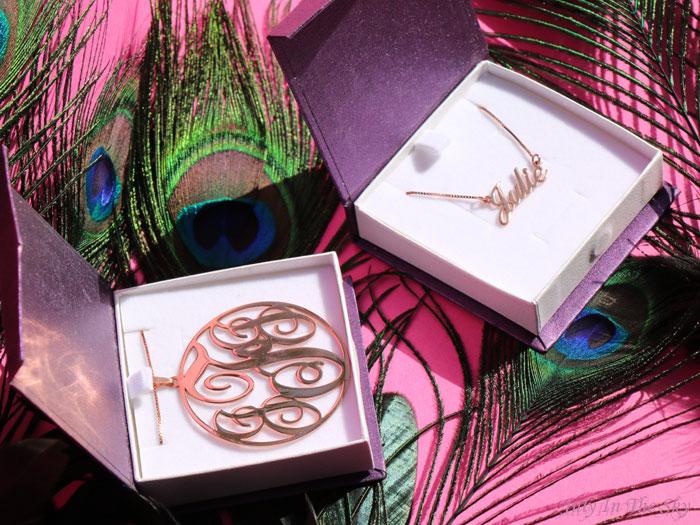 blog beaité bijoux O'Neclace collier pendentif or rose prénom allegro monogramme circulaire