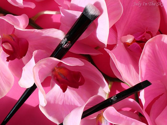 blog beauté avis pinceau Kat Von D Lock-it Edge Concealer Brush Powder Brow