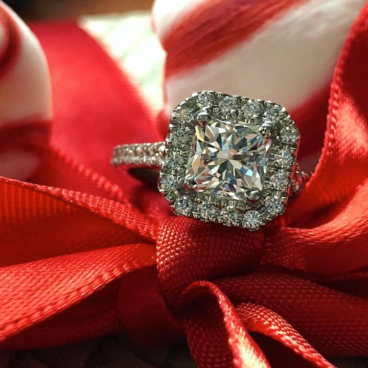 """b33fd1a900d0ba """"The quality of the jewelry is outstanding! Alan and his staff work very  hard to find you the perfect piece of jewelry for every occasion."""