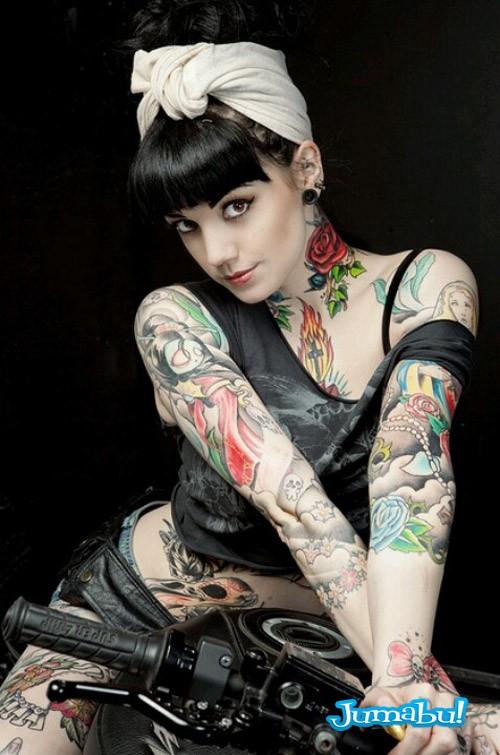 tatuajes-dark-mujer-brazos