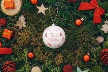 guirnaldas psd gratis - Reemplaza el contenido de la bola navideña por lo que quieras
