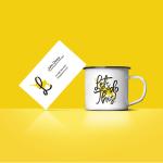 jarra de cafe mockup - Jarra de café y plantilla de tarjeta personal para cambiar tus datos