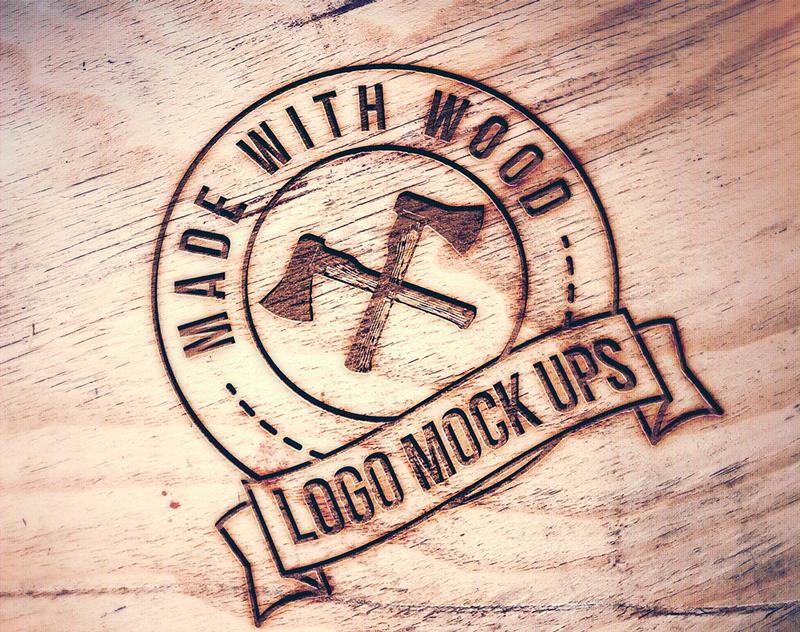 Mockup de logo sobre madera
