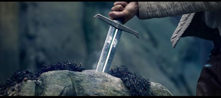rey-arturo-leyenda-espada-02