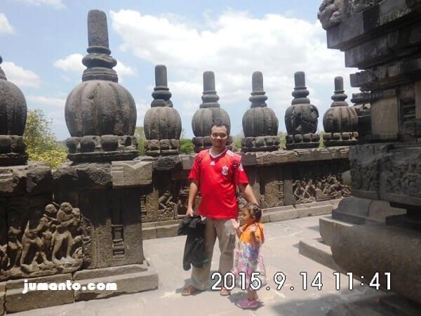 Di atas Candi Prambanan, salah satu Jogja Heritage