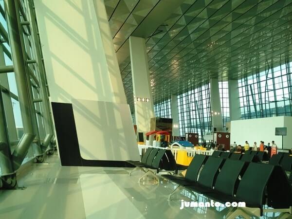 ruangan tunggu di terminal 3 ultimate