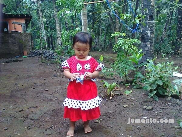 Mengajak Anak Mengunjungi Desa Pelumutan