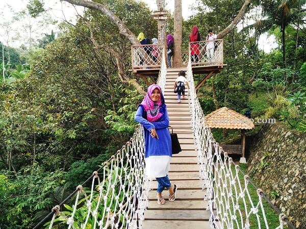 foto jembatan instagramable di camp 91 kemiling bandar lampung