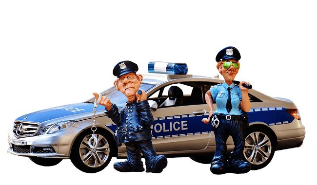 polisi yang bertugas, bisa menilang motor kalian