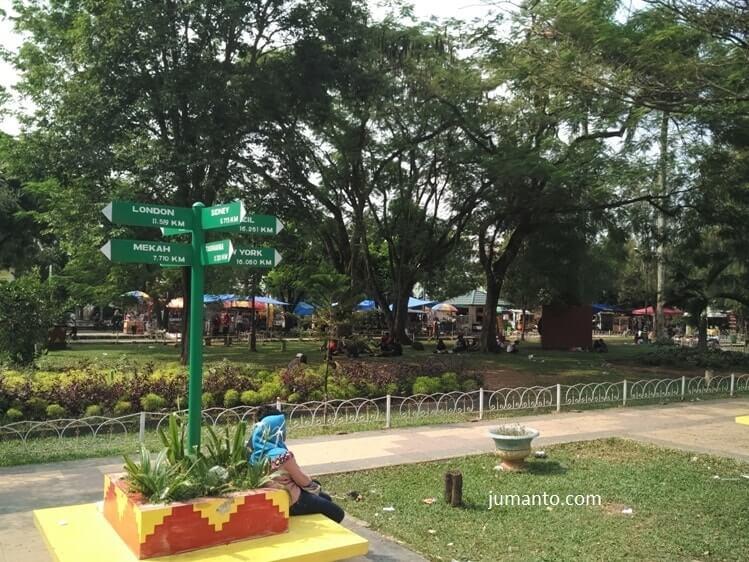 fasilitas taman merdeka kota metro