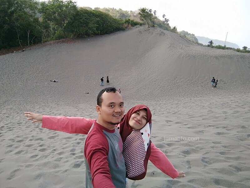 gambar hamparan pasir gumuk pasir jogja