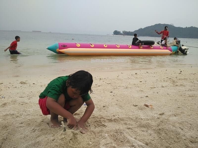 wahana wisata pantai mutun lampung