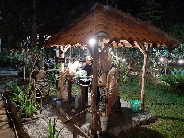 kasir maknoni village lampung