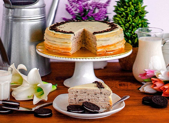 Front View_Oreo Mille Crepe_Whole&Sliced