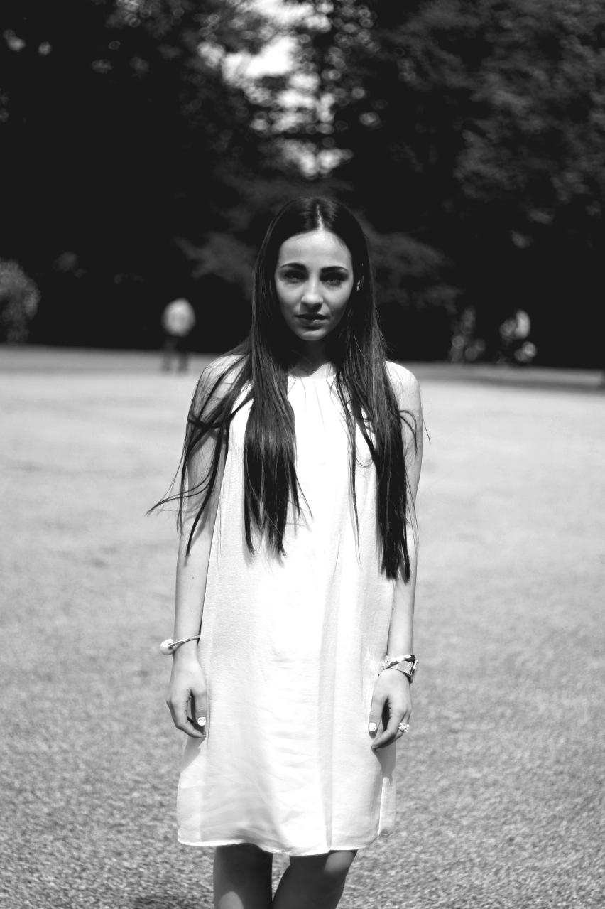 White-silk-dress-3_Fotor_Fotor_Fotor
