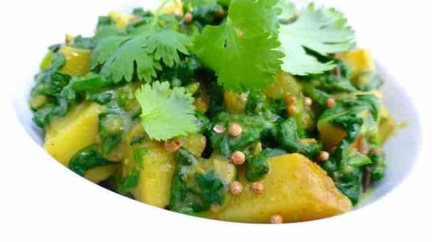 My easy aloo palak recipe, an Indian stir fry of potatoes and spinach with a bunch of great spices. A classic Indian recipe!