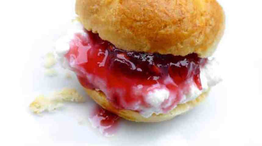 High tea! I love this easy scone recipe. Freshly baked lukewarm scones topped with a dollop of strawberry jam and some clotted cream...