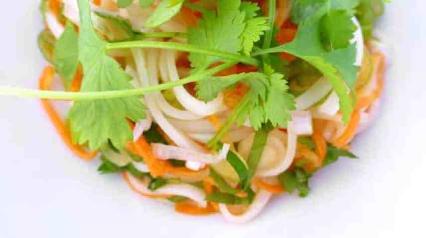 This is a super easy Thai noodle salad to prepare and it brings some very delicious Thai flavors onto your dinner table...
