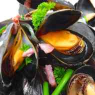 How To Cook Mussels Best (Step by Step)