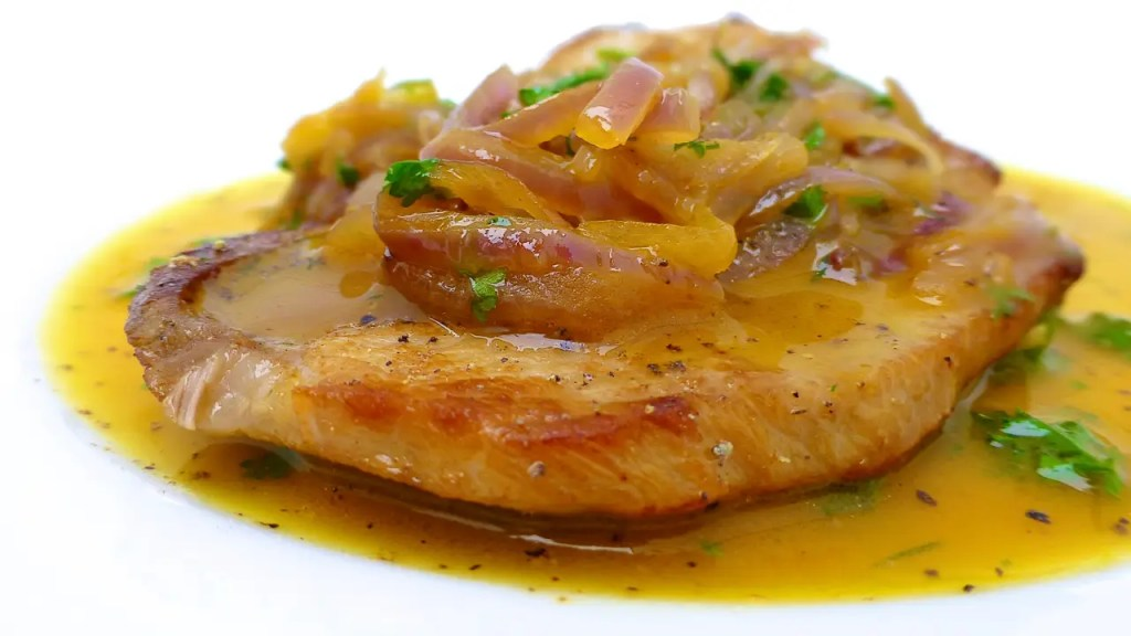 My lush chicken in orange sauce recipe, a take on a Spanish classic dish called secreto iberico a la naranja. What a delicious chicken dinner!
