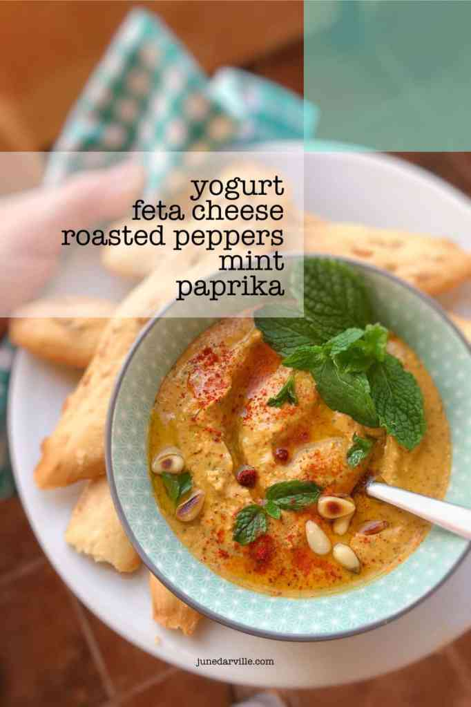Here is a vegetarian 10-minute dip for your next summer party: creamy feta yogurt dip with mint, pine nuts and canned peppers!