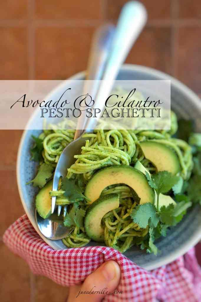A healthy vegetable pasta sauce with a interesting twist: this creamy avocado pesto spaghetti with cilantro is highly addictive!