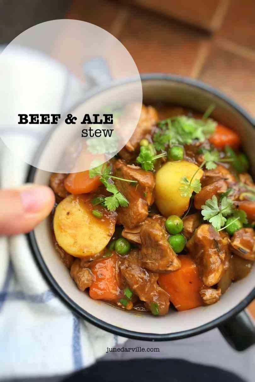 Easy peasy beef and ale stew with carrots, potatoes and peas... cooking with beer at its best then. Classic winter comfort food!