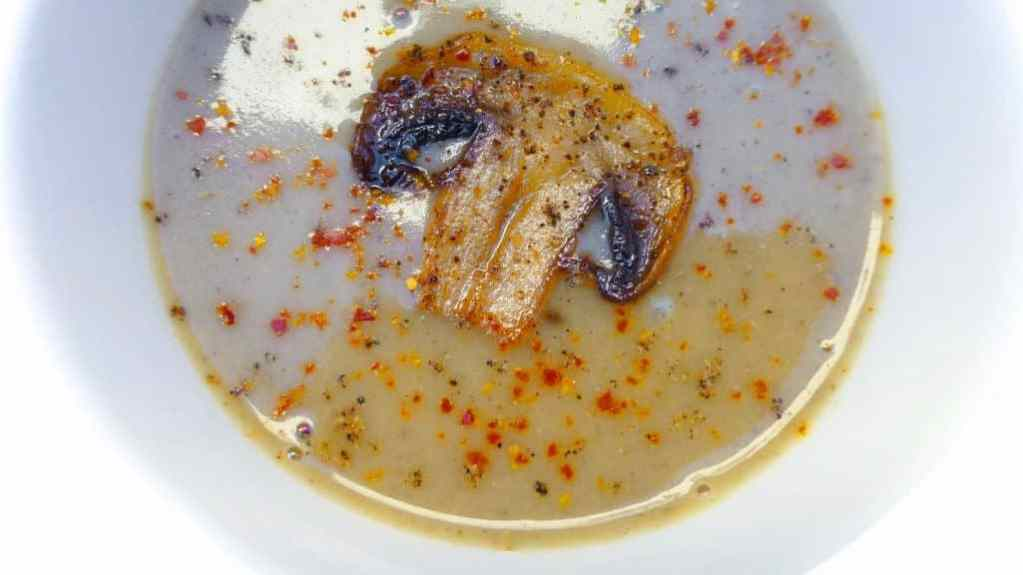 My silky mushroom and beer soup recipe: strong, rich and explosive... What a powerful flavor bomb!