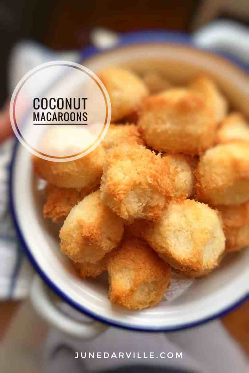 My homemade coconut macaroons: a sugary treat for your afternoon cup of coffee or tea! Or wrap them up and use them as a gift...