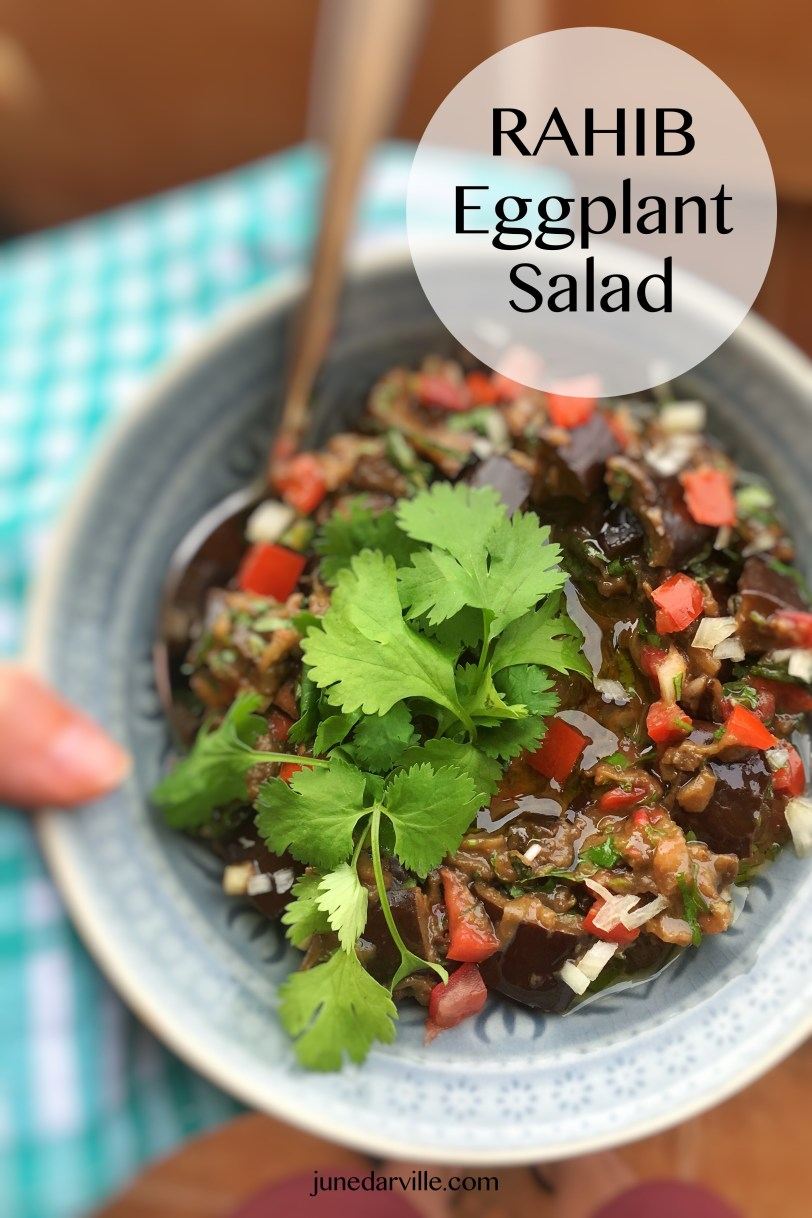 A fresh and easy rahib salad: this is an Eastern roasted eggplant salad. And also a great alternative for the classic baba ganoush dip! Another summer treat.