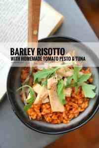 My creamy tomato risotto with barley, a lush homemade roasted tomato pesto and tuna... A delicious lunch, starter or main course!