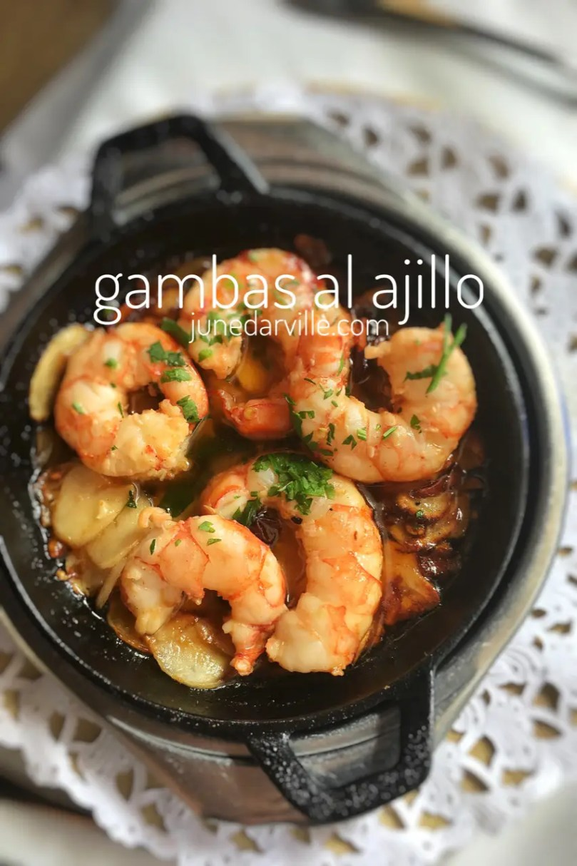 Let me show you how to make a delicious treat... Gambas al ajillo, a classic Spanish garlic shrimp recipe with olive oil, garlic and parsley!