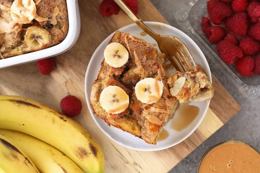 Dessert comfort food... I mean bread pudding of course! Check out these 20 best bread pudding recipes from fellow food bloggers!
