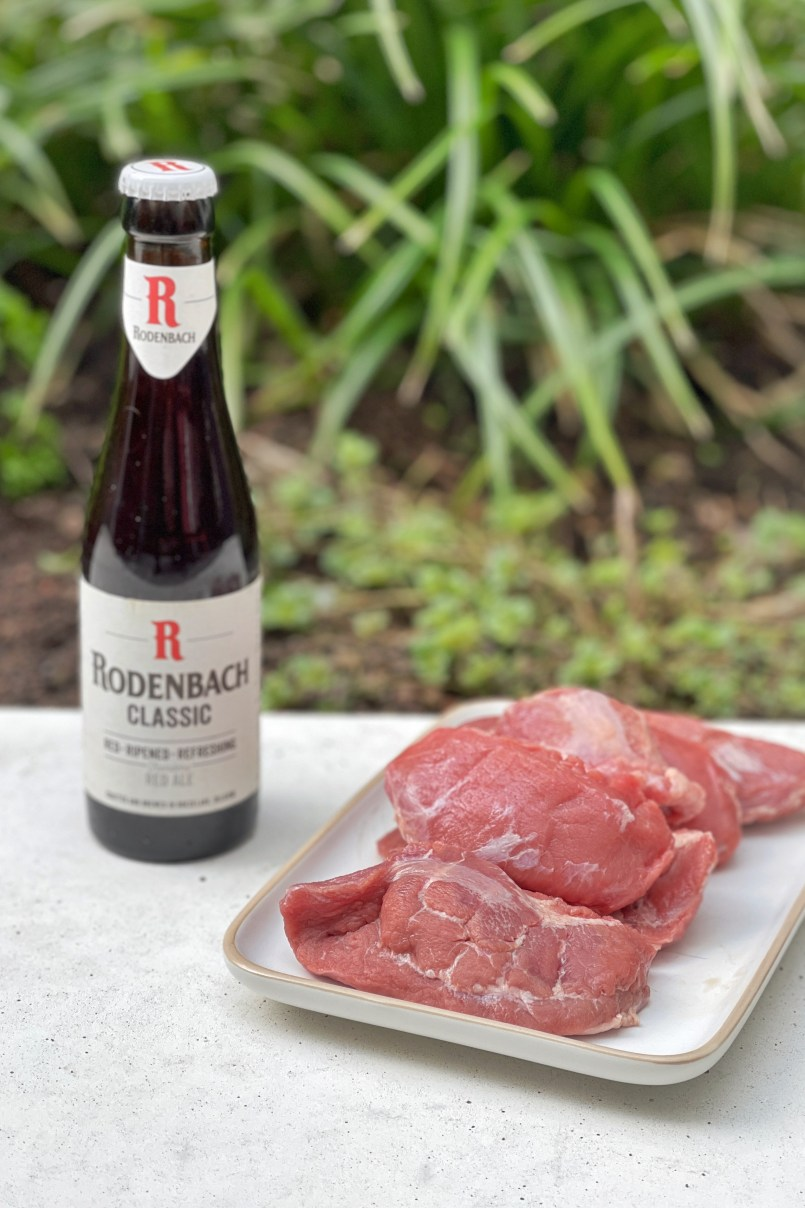 Looking for a good pork cheeks recipe? Then look no further! Pork cheeks braised in Belgian red ale, a beer by the name of Rodenbach.