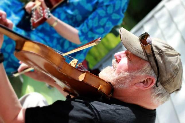 Dennis-fiddle-by-Karen