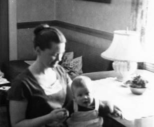 Heather-with-Mommy-1958
