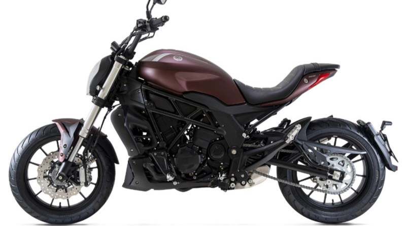 Benelli 502C is launch in India at a starting price of Rs. 4.98 Lakh rupee (ex-showroom Delhi). It looks like Ducati Diavel 1260