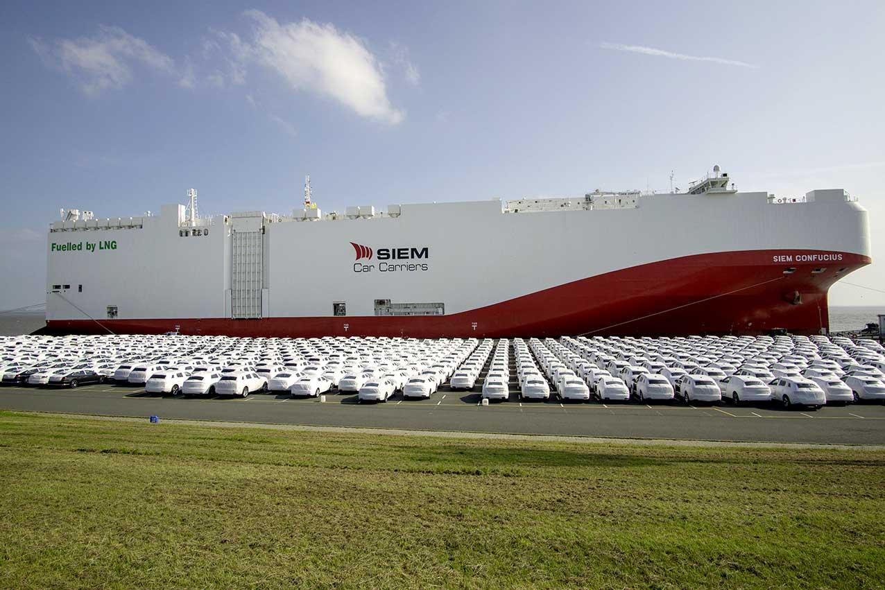 (émissions des navires) Navire au GNL pour le transport de voiture de VW
