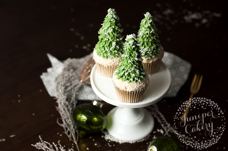 Rustic Christmas tree cupcake tutorial fro Juniper Cakery