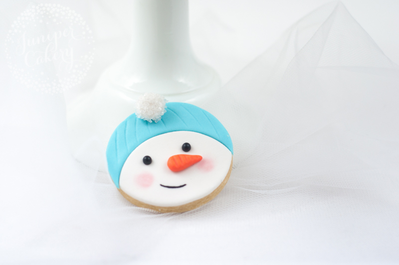 Make these adorable snowman cookies for Christmas
