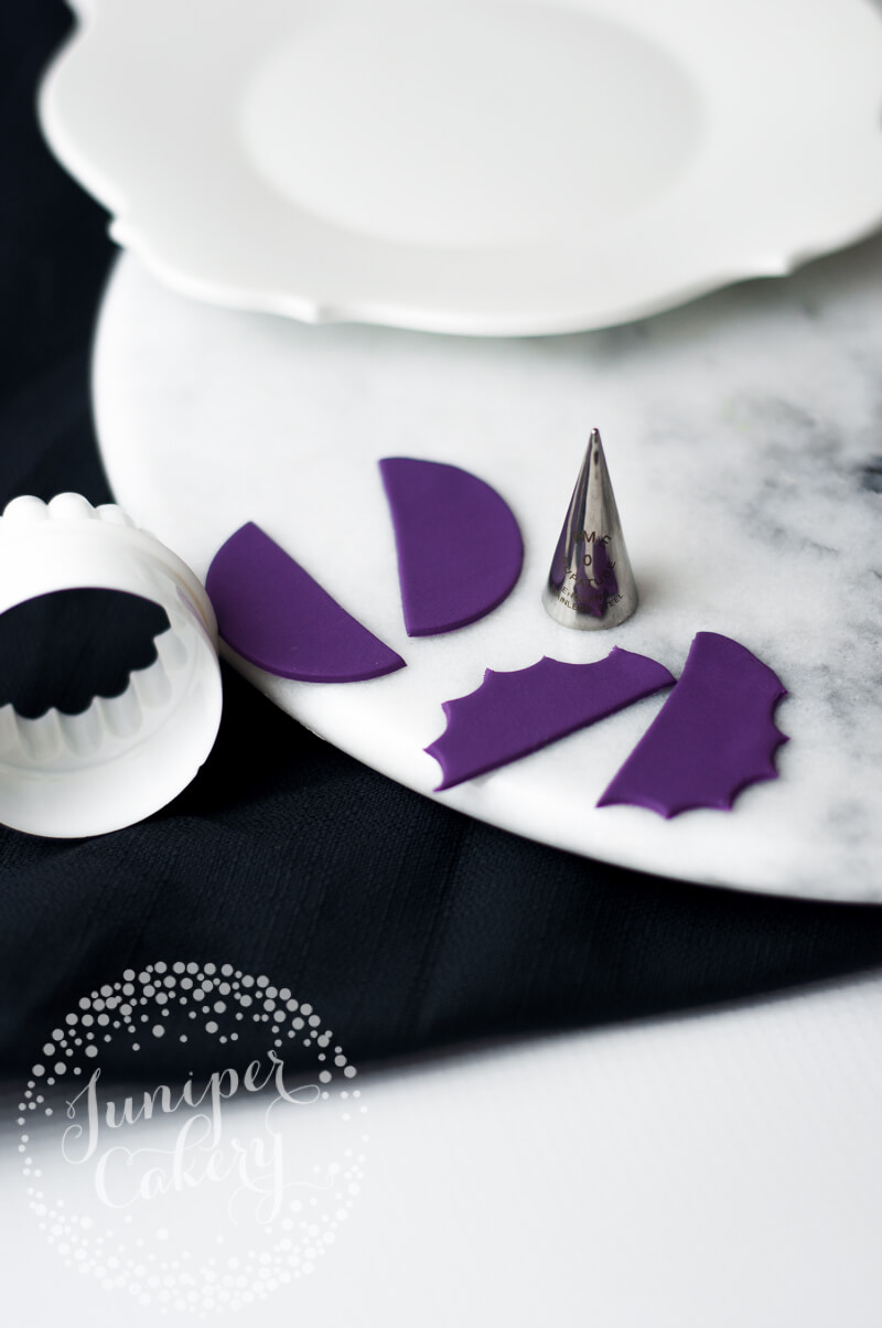 Sweet fondant bat tutorial by Juniper Cakery