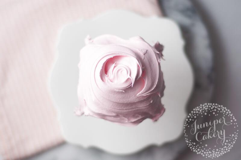 Quick meringue recipe by Juniper Cakery