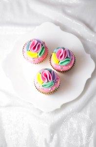 Tutorial: Rainbow Pom Pom Cupcakes!