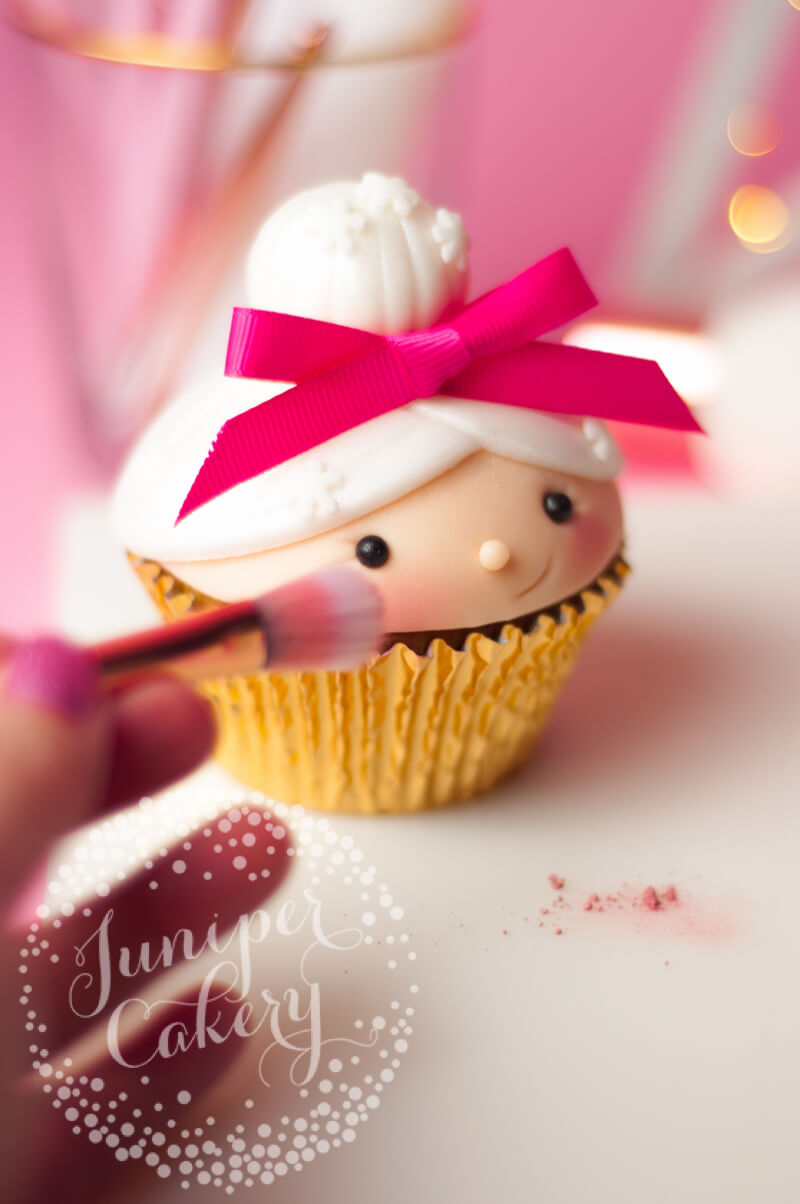 Festive Christmas cupcake tutorial with Benefit Cosmetics
