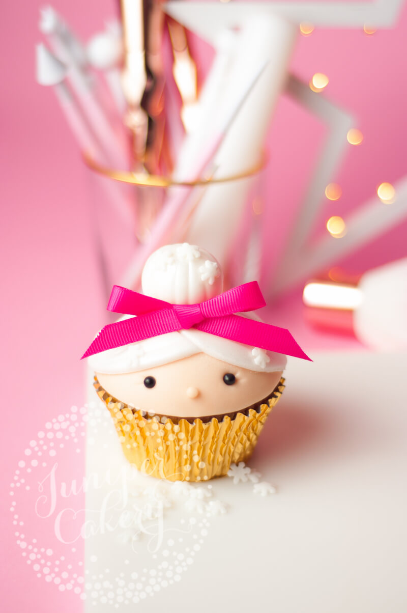 Festive Mrs Claus cupcake tutorial for Christmas