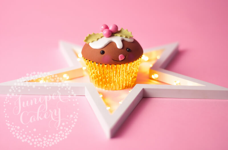 Adorable Christmas pudding cupcake tutorial from Juniper Cakery