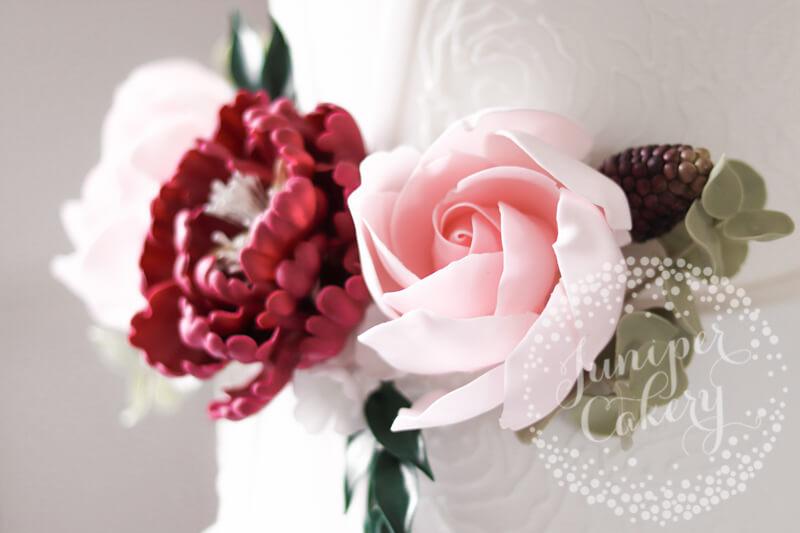 Blush pink sugar roses by Juniper Cakery