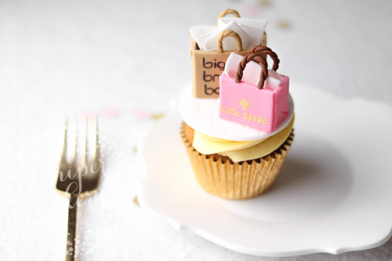 Shopping themed cupcake by Juniper Cakery
