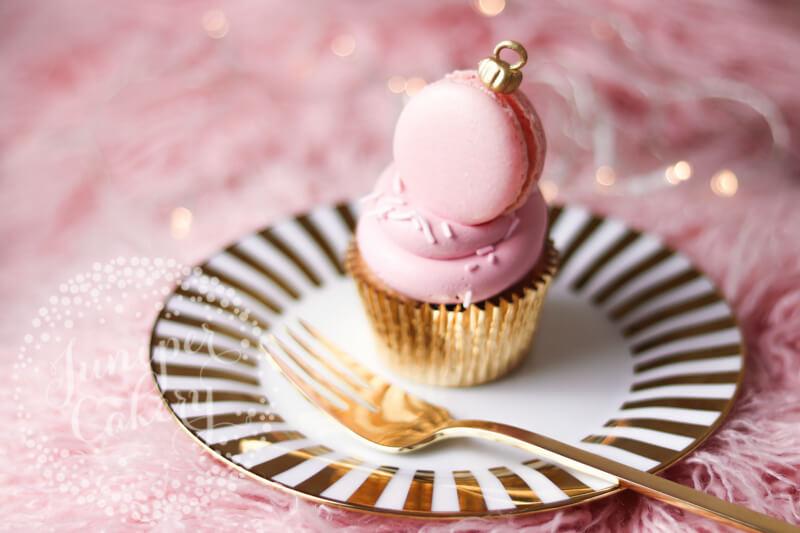 Macaron bauble cupcake by Juniper Cakery